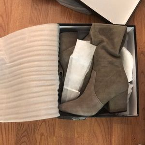 a48552d54fe goodnight macaroon Shoes - Goodnight Macaroon Carina taupe over the knee  boot